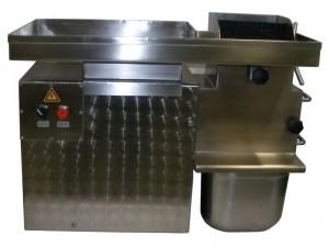 Stroj za rezanje vampov